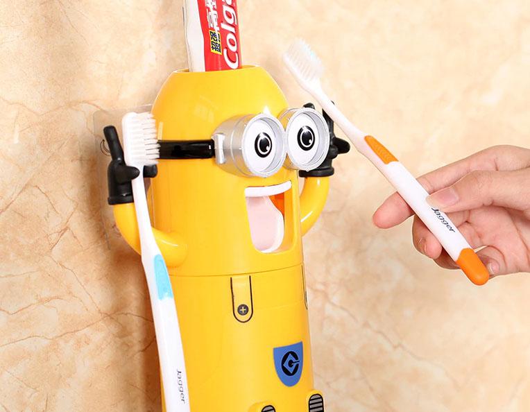 distributeur-dentifrice-minions-1